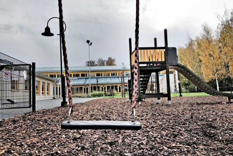 Seurakunnan päiväkerhot ovat yhä toiminnassa, mutta syysloman lastenleirit peruuntuivat.