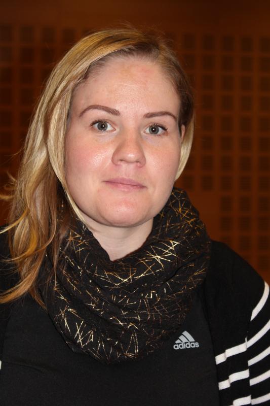 -Frosteruksen yhtenäiskoulun vanhempainyhdistys on huolissaan yläasteikäisten kannabiskokeiluista, Hannele Myllymäki kertoo.