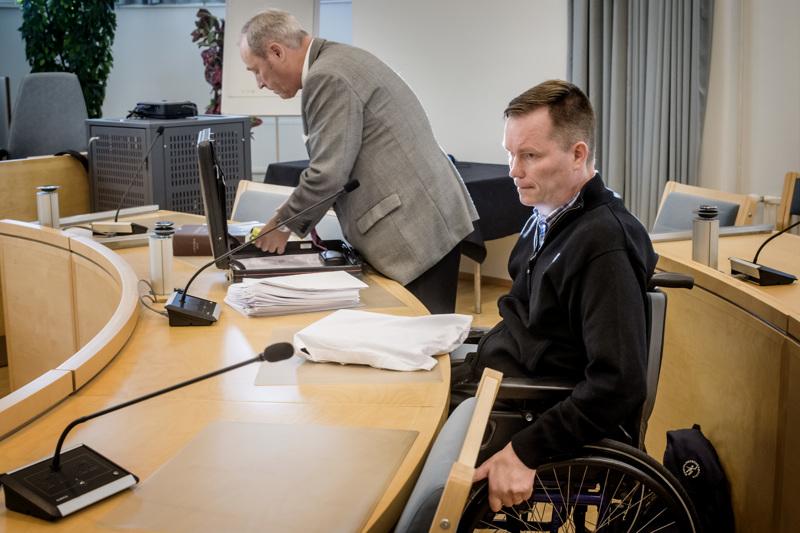 Rikosylikomisario Ilkka Piispasen syrjintäjuttu käräjäoikeudessa Kokkolassa, asianajajana Tapani Takala. Arkistokuva vuodelta 2018.
