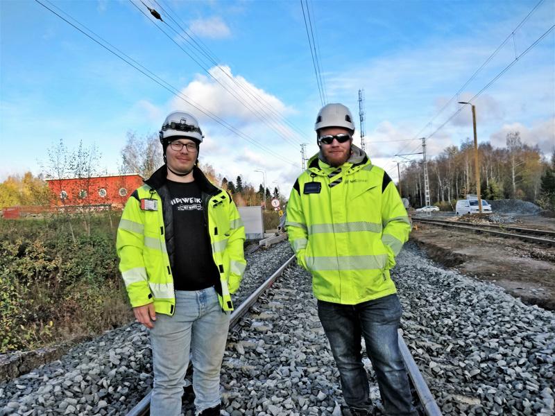 Ville Suorsa  toimii työmaapäällikkönä ja Jyri Lamminpohja työnjohtajana NRC Groupista Pietarsaari-Pännäinen rataosahankkeessa.