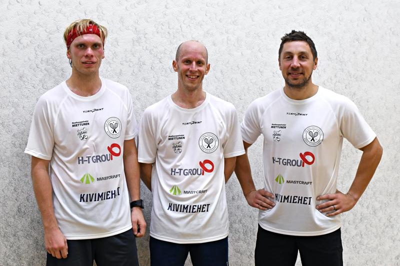 H-T Group-kutsukilpailun mitalikolmikko: Henrik Mustonen Olli Tuominen ja Jaakko-Antti Peltola