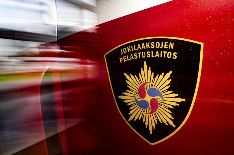 Auma savusi turvetuotantoalueella Haapavedellä sunnuntaina.