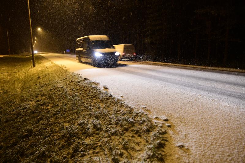Tie oli valkoinen Kruunupyyn ja Kokkolan rajalla tiistaiaamuna.