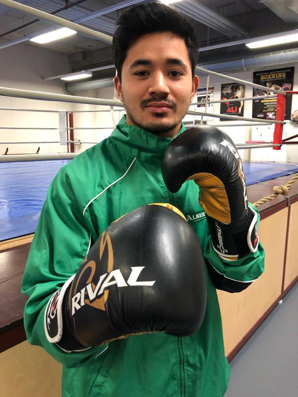 Albert Thiangdee voitti juniorivuosina kolme SM-mitalia. Nyt hän nyrkkeilee yleisessä sarjassa.