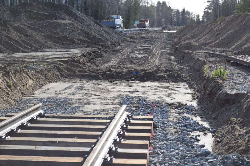 Keski-Suomen radalla on menossa iso investointi. Rataa uusitaan Kumisevan asemalta etelään noin kahden kilometrin matkalla.