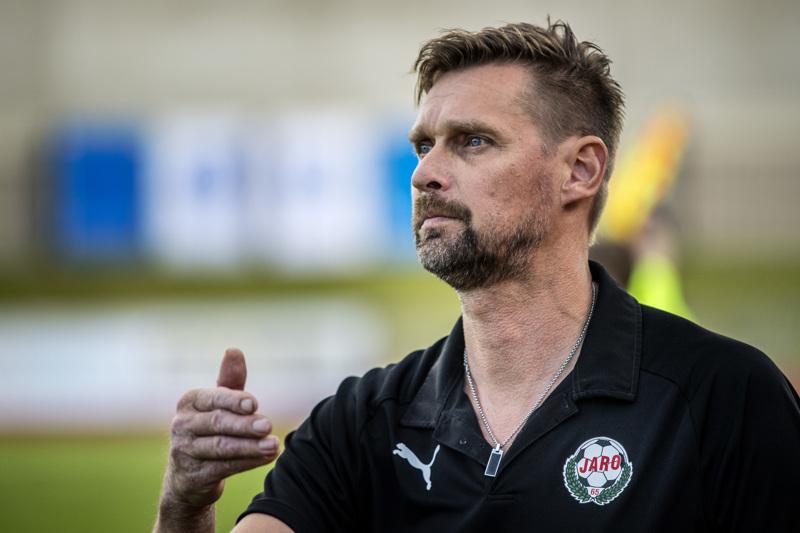 Vastustajan koronakaranteenin vuoksi Niklas Käckon ja Jaron viikonlopun suunnitelmat menivät uusiksi.