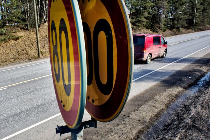 Autoilijalta vaaditaan taas tarkkasilmäisyyttä, sillä talvinopeudet astuvat voimaan tällä viikolla keskiviikosta alkaen.