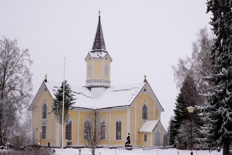 Haapaveden kamariorkesteri konsertoi kuvassa olevassa Haapajärven kirkossa sekä Haapaveden kirkossa.