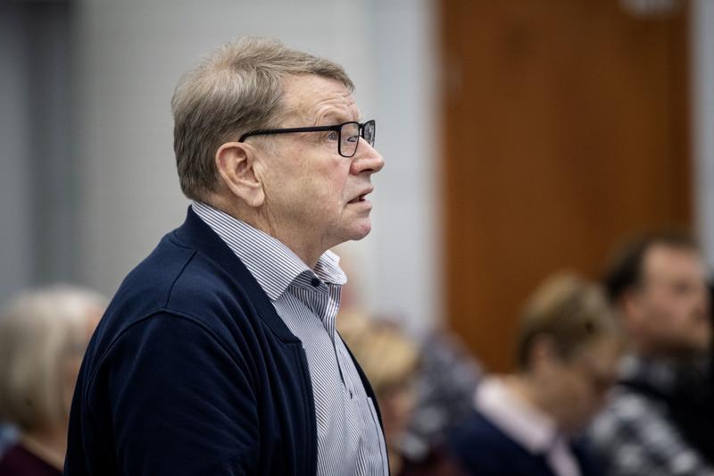 Kaupunginvaltuutettu Mauri Lahti. Kuva on Kokkolan kaupunginvaltuuston kokouksesta viime vuodelta.