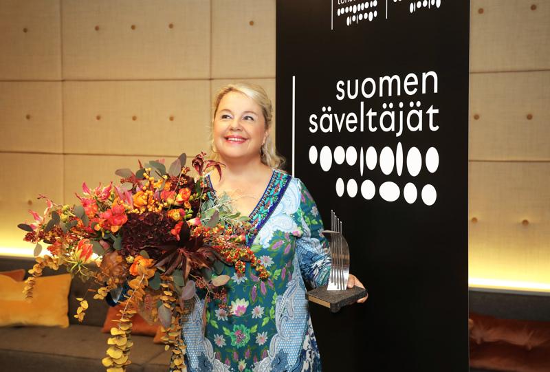Kokkolassa vuonna 1967 syntynyt koloratuurisopraano Anu Komsi sai Suomen Säveltäjät ry:n Madetoja-palkinnon.