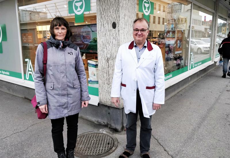 Helena Raattamaa on Pietarsaaren ykkösapteekin uusi apteekkari, Ulf Södergård lähtee apteekkariksi Teuvalle.