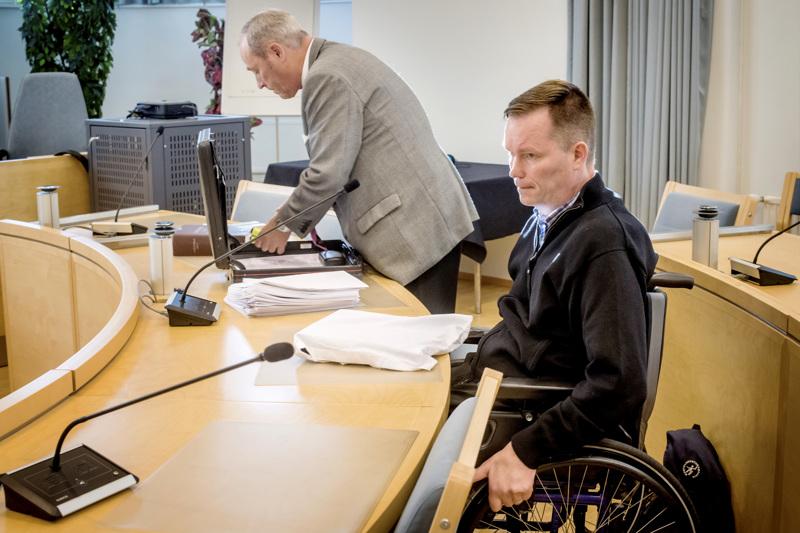 Ilkka Piispasen syrjintäjuttua käsiteltiin vuonna 2018 Kokkolan käräjäoikeudessa. Kun sovintoon ei päästy, Piispanen vei tapauksen siviilijuttuna Pohjanmaan käräjäoikeuden ratkaistavaksi.