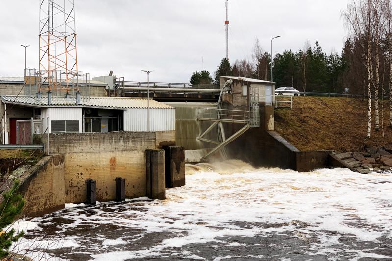 Hamarin voimalaitos on rakennettu vuonna 1984. Silloinen tekniikka on tullut tiensä päähän, ja uusi omistaja päätti uusia sähkö- ja automaatiojärjestelmän.