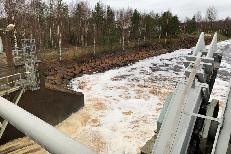 Hamarin voimalaitos toimii nyt automatiikalla. Tiedot menevät Koillis-Satakunnan sähkön etävalvomoon, jossa voidaan tehdä myös osa muutoksista.