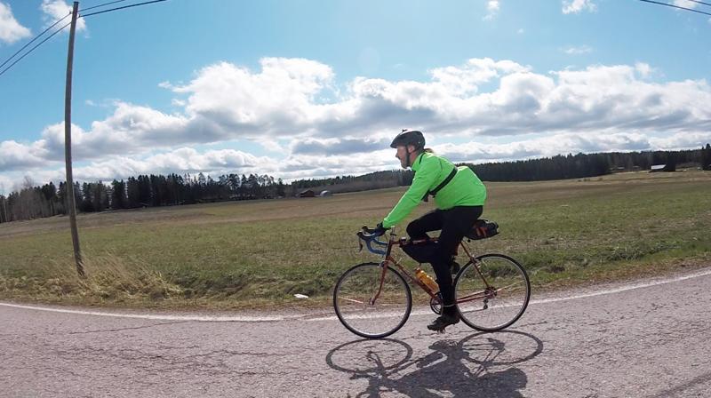 Randonneur-pyöräilijä Reima Taari polki viime vuonna pisimmillään 400 kilometriä 22:teen tuntiin. Tänä vuonna takana on kolme 200 kilometrin, yksi 300 kilometrin sekä useampia 50-150 kilometrin brevettiä.