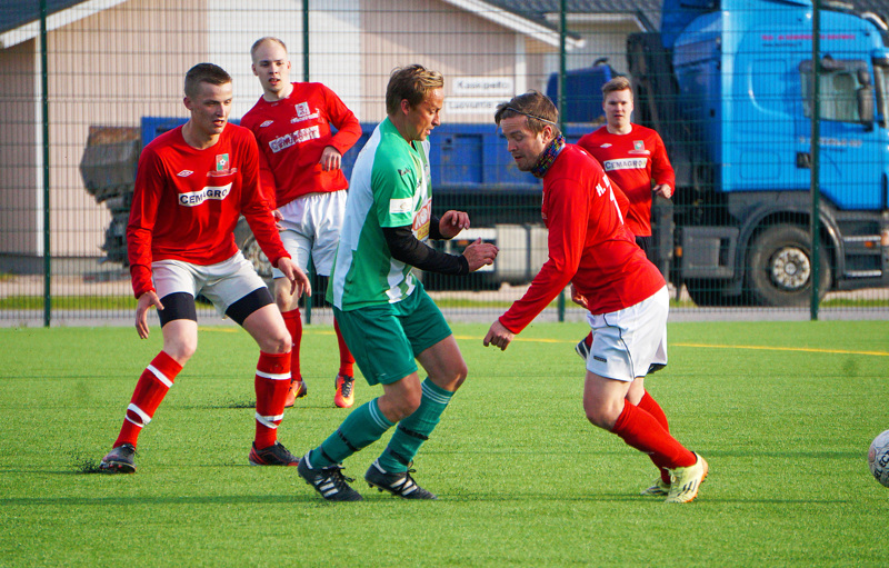 Reima on tuttu näky myös jalkapallokentiltä kokkolalaisen Ykspihlajan Reiman muodossa. Kuvassa vihreäpaitainen Reima vierailemassa Nivalassa FC-92:n vastustajana 5-divisioonan ottelussa kesällä 2017.