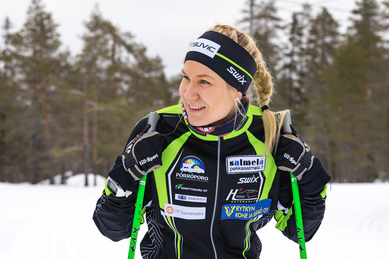 Roosa Juuska avasi hiihtokauden loistavilla esityksillä Suomen Cupin avauksessa Vuokatissa. Arkistokuva.