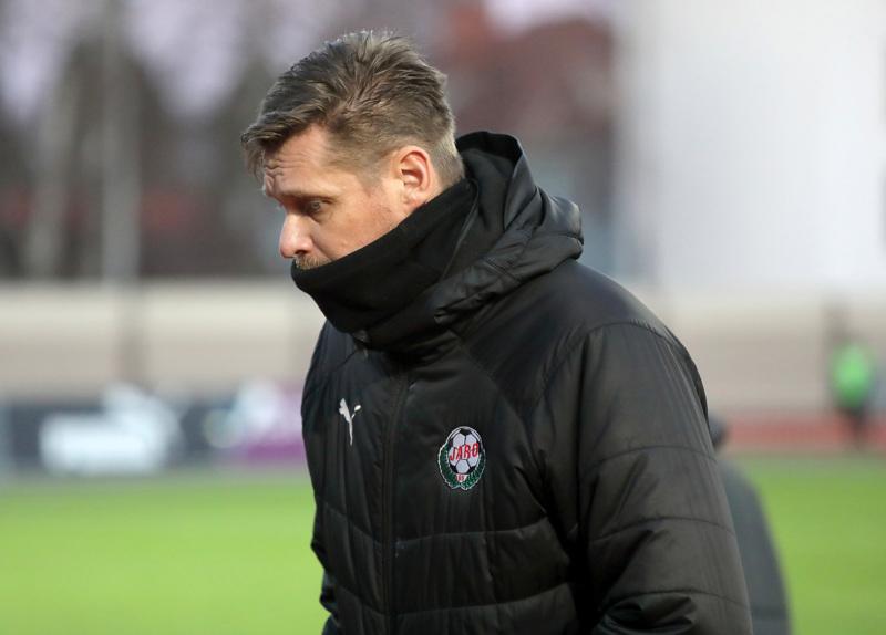 Hyvä sijoitus ja kosolti kokemusta nuorille pelaajille, jäi Jaron valmentajalle Niklas Käckolle saldoksi kaudesta 2020.