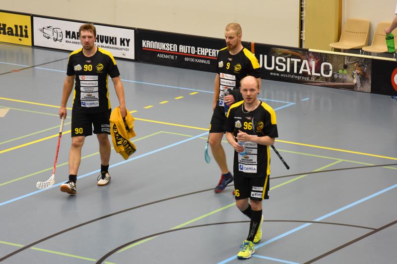 Kaksi voittoa. Kannuksen Uran Tuomas Kinnunen, Kimmo Keski-Ojala ja Sampo Uusitalo lähtivät keskittymään Kaustisen kaatoon Redy-voiton jälkeen.