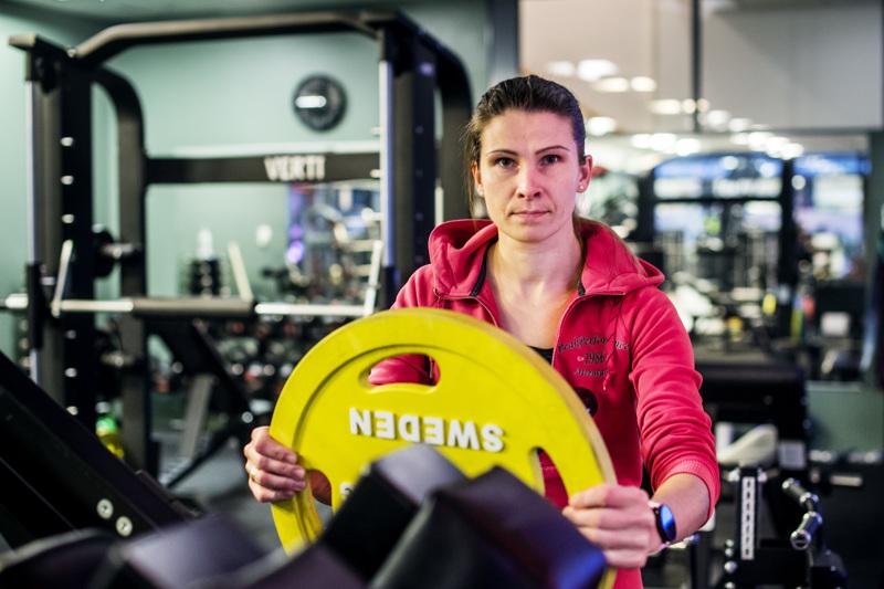 Kokkolalainen Minna Ihanainen tekee tällä hetkellä sekä hierojan että personal trainer -valmentajan töitä.