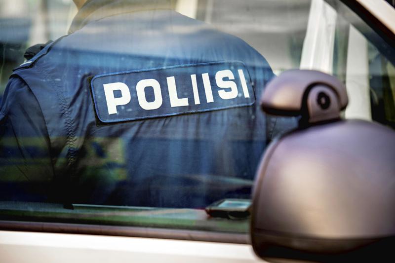 Kuudelta kortti pois. Poliisi suoritti Kannuksessa liikenteen tehovalvontaa viikonloppuna.