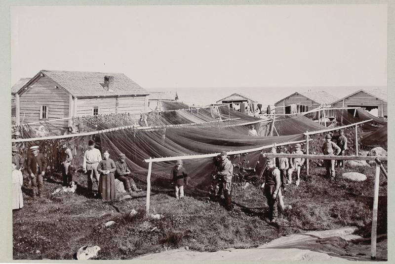 Syyskuun kuvana on kuva Tankarin kalastayhteisöstä 1890-luvulla.