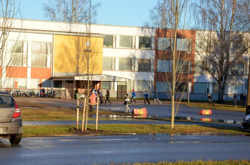 Uuden Raasakan koulun sijainti koulukeskuksen alueella varmistuu vasta sen jälkeen, kun asemakaavan muutos on vahvistettu.