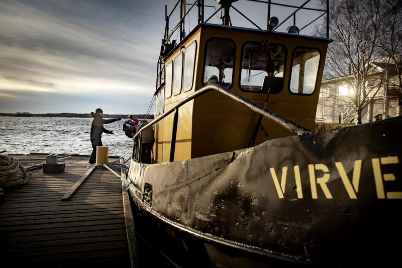 Sukellustukialus Virve oli enemmän kuin valmiina lähtöön, vielä kerran tälle sukelluskaudelle ennen talvitelakkaa.