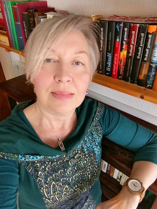 Kalajokilaakson sivuillakin kirjoittanut toimittaja Anitta Oertel on julkaissut novellikokoelman.