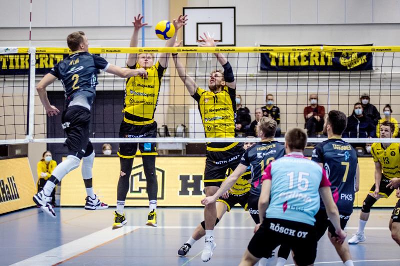 Lauri Jylhä teki entistä seuraansa vastaan 20 pistettä. Tiikereiden torjunnassa vastassa Oskari Keskinen ja Antti Leppälä.
