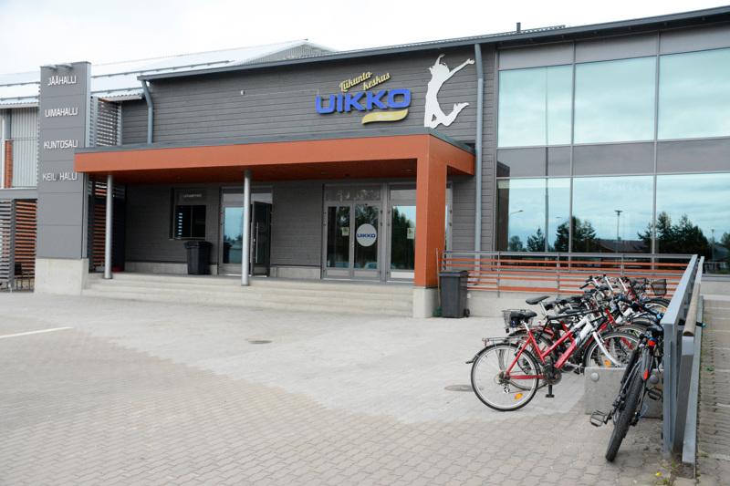 Nivalan monitoimihallia suunnitellaan liikuntakeskus Uikon yhteyteen.
