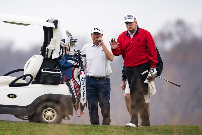 Viime aikoina Donald Trump on nähty usein golfkentällä. Viikonloppuna Trump pelasi golfia Virginian osavaltiossa Yhdysvalloissa.