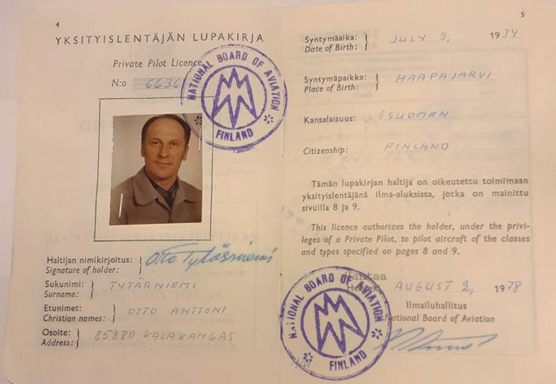 Otto Tytärniemi suoritti lentolupakirjan 2.8.1978