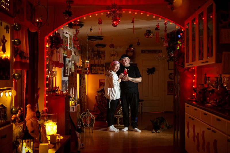 Pauliina ja Markku Leväniemelle joulun laittaminen kotiin on yhteinen juttu ja se tehdään ennen kaikkea omaksi iloksi.
