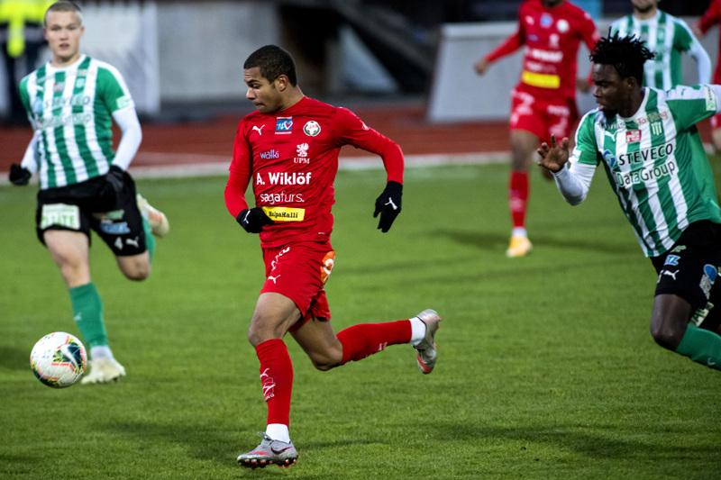 Jaron oma kasvatti Anthony Olusanya suuntaa Helsingin Jalkapalloklubiin.