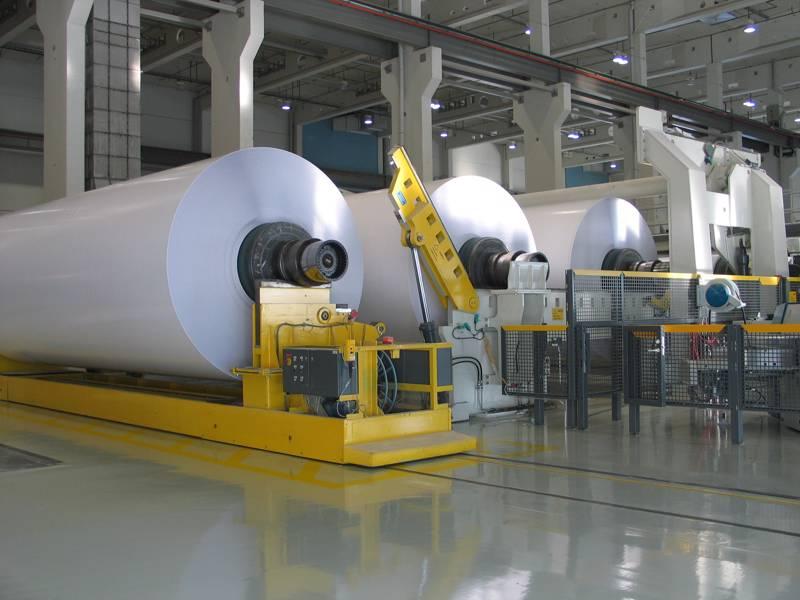 Stora Enson Oulun tehdasta muutetaan parhaillaan paperitehtaasta kartonkitehtaaksi. Työmaalla on todettu useita kymmeniä koronatapauksia, jotka ovat hidastaneet töiden etenemistä.