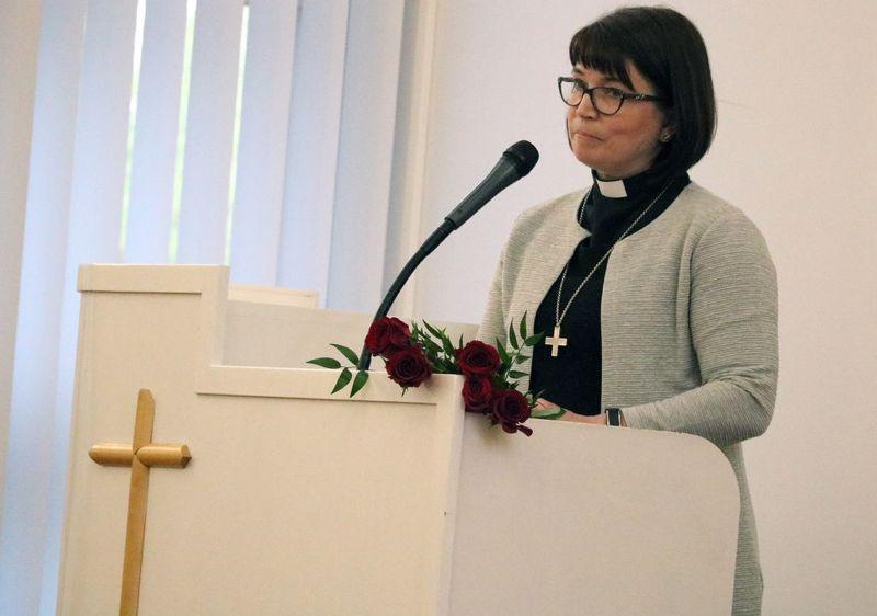 Eija Nivala on Ylivieskan kirkkoherra.