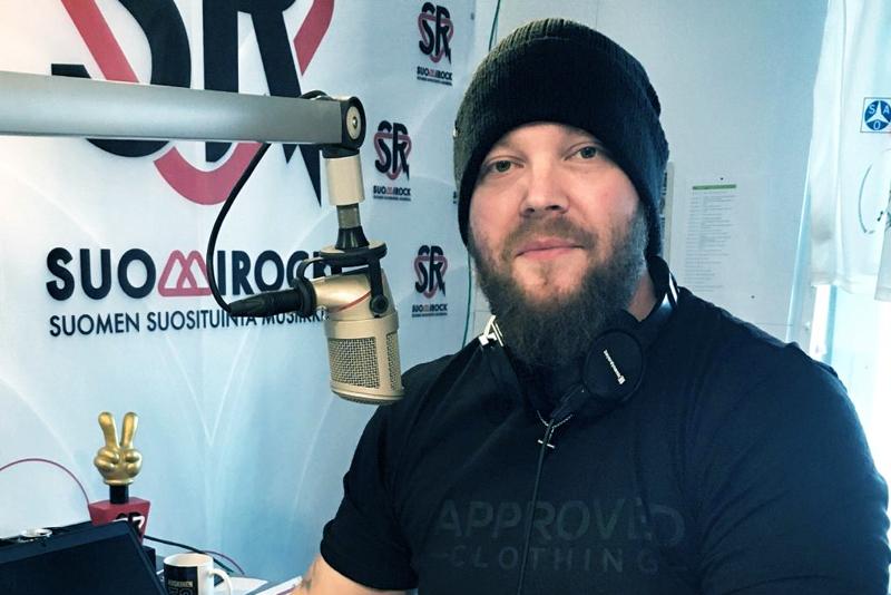 Ville Kinaret siirtyi radiojuontajasta musiikkipäälliköksi.