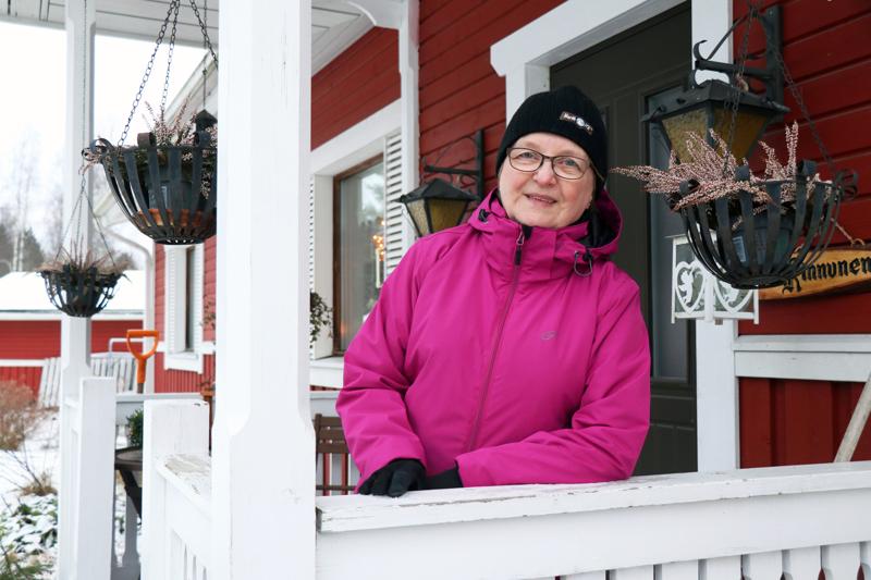 Rakel Kinnunen on ollut eläkkeellä perhepäivähoitajan työstä kymmenen vuotta.