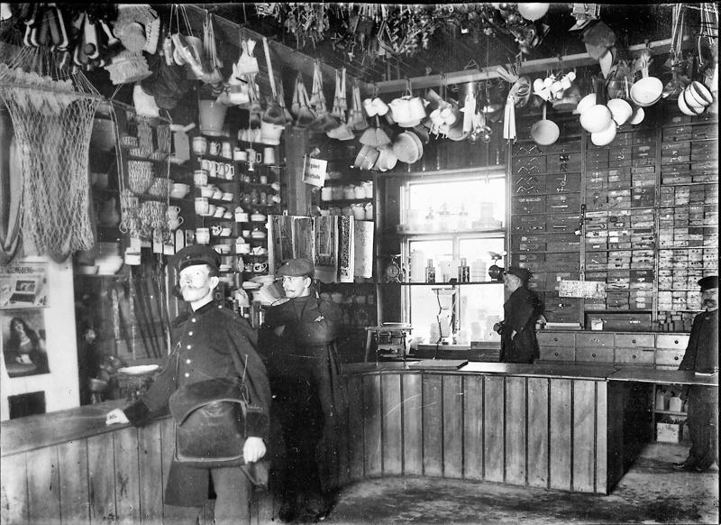 Emil Simelius & Co, interiöörikuva noin 1910.