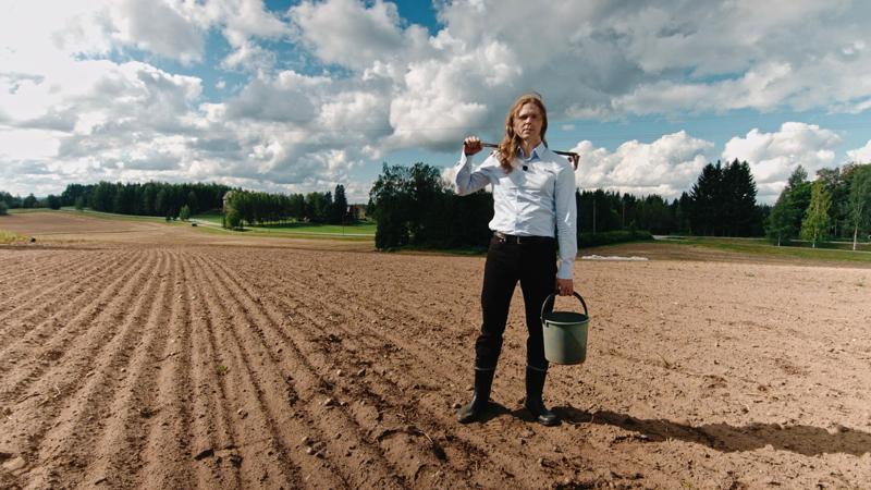 TV-sarja kertoo maaseudun, maakuntien ja maalaisuuden vaikutuksesta Suomeen ja suomalaisuuteen. Sitä juontaa toimittaja Olavi Seppänen.