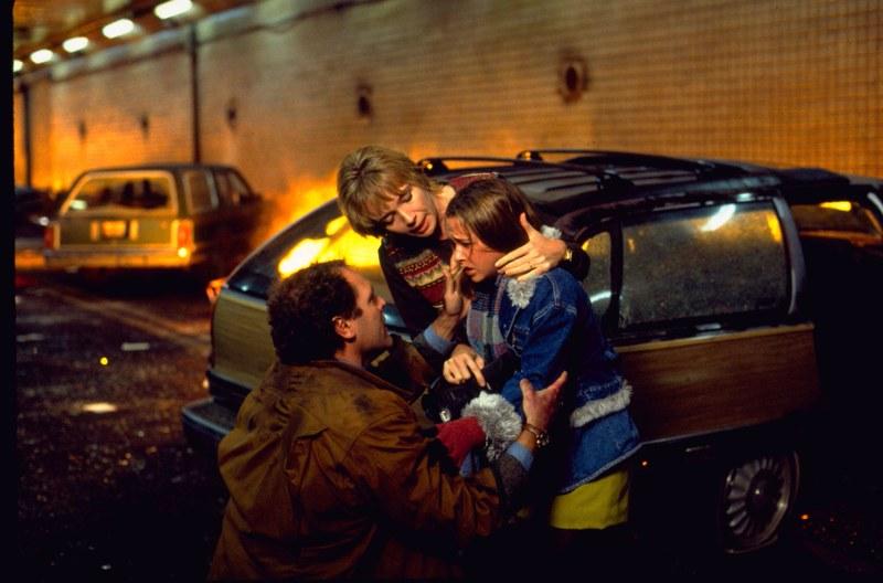 Katastrofielokuvassa New Yorkin tunnelissa tapahtuu räjähdys, joka tuhoaa sisäänkäynnit