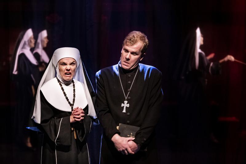 Nunnia ja konnia -musikaali ehti kerätä väkeä ennen kuin korona puuttui peliin.