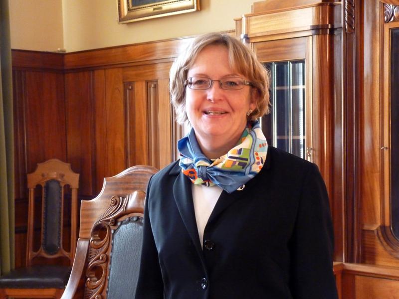Anne Ekstrandilla on pari vuotta kokemusta kaupunginjohtajan sijaisuudesta. Hän haluaa nähdä Pietarsaaren, jossa kaikilla on hyvä olla.