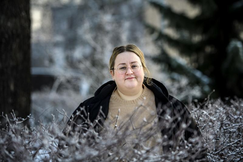 Pietarsaarelainen kirjailija Ellen Strömberg viihtyy pikkukaupungissa.