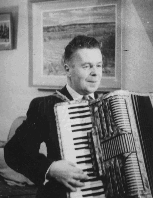 Ola Ehojoki harrasti ampumaurheilun lisäksi musiikkia.