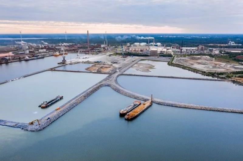 Kokkolan sataman ruoppausmassoilla rakennettiin uutta satamakenttää