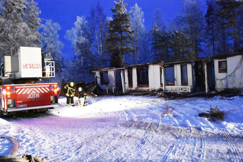 Pelastuslaitoksen palontutkijat aloittavat palon syttymissyyn selvittelyn tänään.