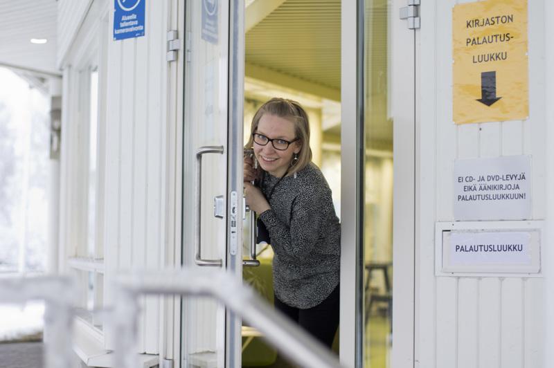 Nivalan kaupungin kulttuurituottaja Heidi Kangaskokko on joutunut harrastamaan luovuutta kulttuurin suunnittelussa.