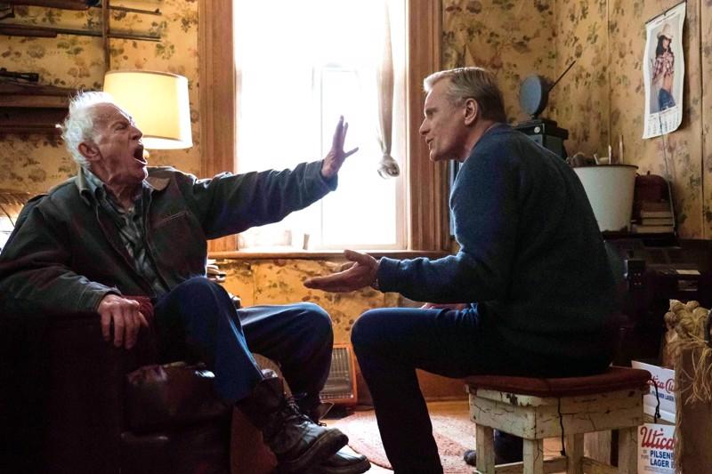 Suku on pahin. Isä (Lance Henriksen) ja poika (Viggo Mortensen) selvittävät välejään näyttelijätähden esikoisohjauksessa.